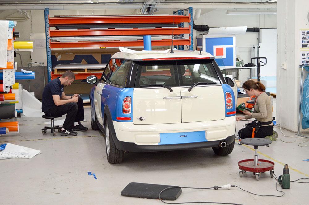 Screenbolaget har också en avdelning för bildekor, och har satsat på att 3M-certifiera sig inom bilfoliering.
