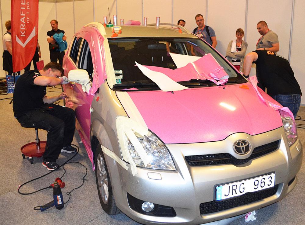 Det var många fler som tittade och tyckte, än som vågade anmäla sig till car wrapping-tävlingen som gick av stapeln.
