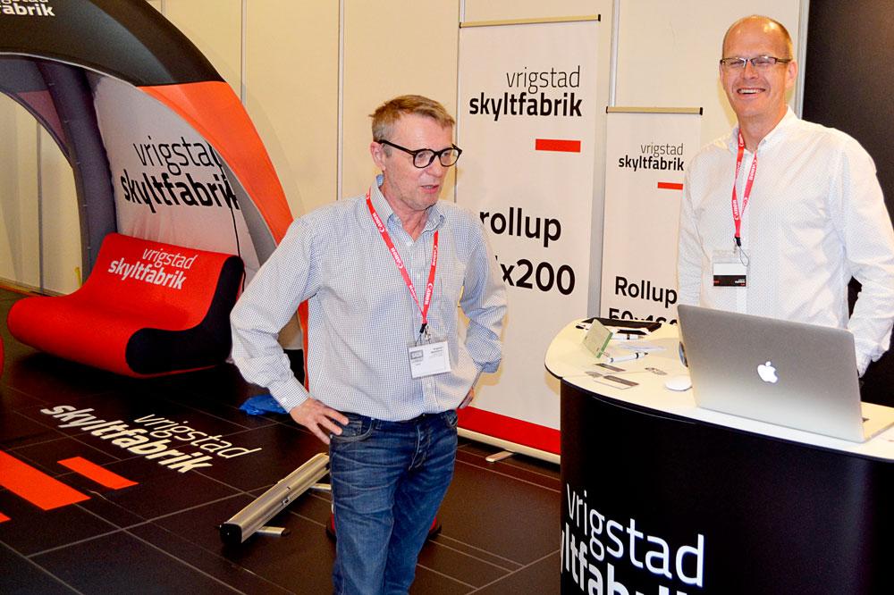 Vrigstad Skyltfabrik testade några nya lösningar. Nu ska de utvärdera och sedan planera montern på mässan i Stockholm.