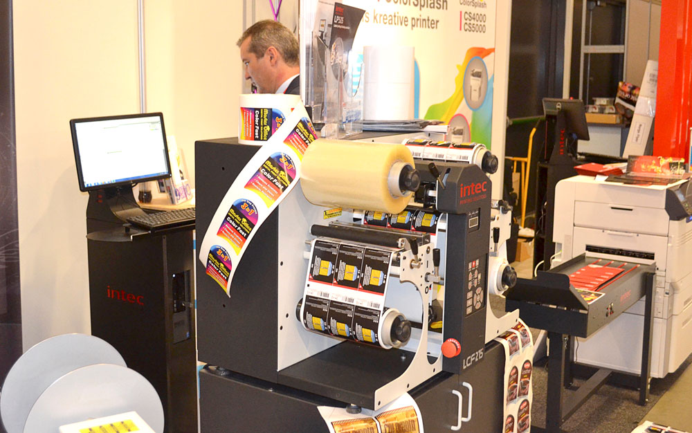 Förpackningstryckarna var jätteintresserade av Intec för små serier av etiketter. Det konstaterade Master Office, som reste över från Sverige och ställde ut.