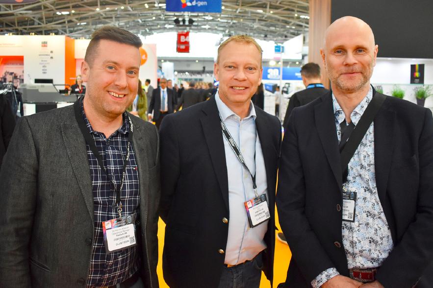 Henrik Åhlander, operations manager på Stadium AB och Joakim Engen och Lars Persson på Bamatex var på Fespa för att skanna av utbudet inom digital transfer.