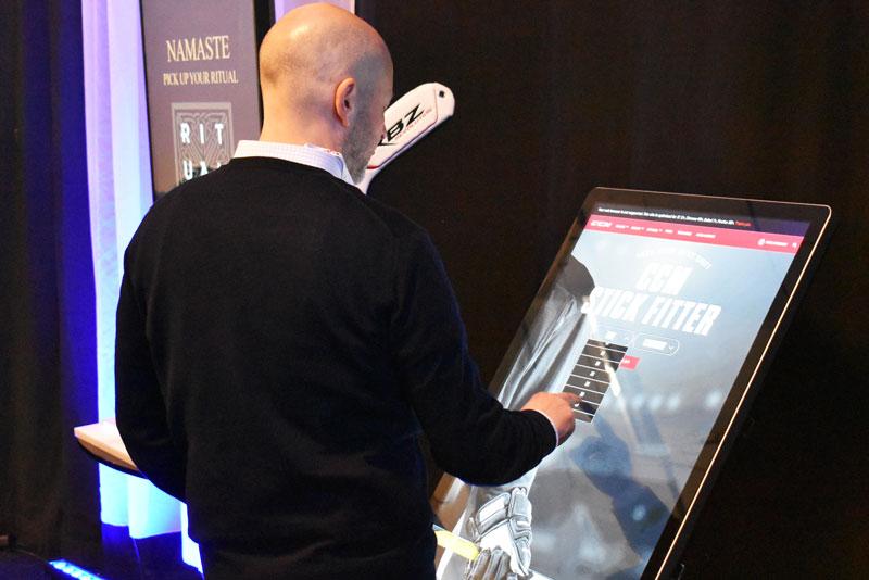 Brand Factory drog mycket uppmärksamhet till sig under sin föreläsning på Sign&Print Scandinavia-mässan i februari, då de även hade med sig interaktiva digitala skärmar på plats.