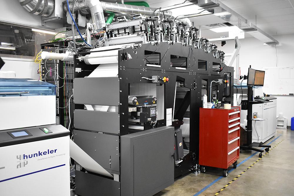 På Memjets huvudkontor utanför San Diego i Kalifornien finns ett testlaboratorium där företagets teknikinnovationer testas med olika maskinmärken.