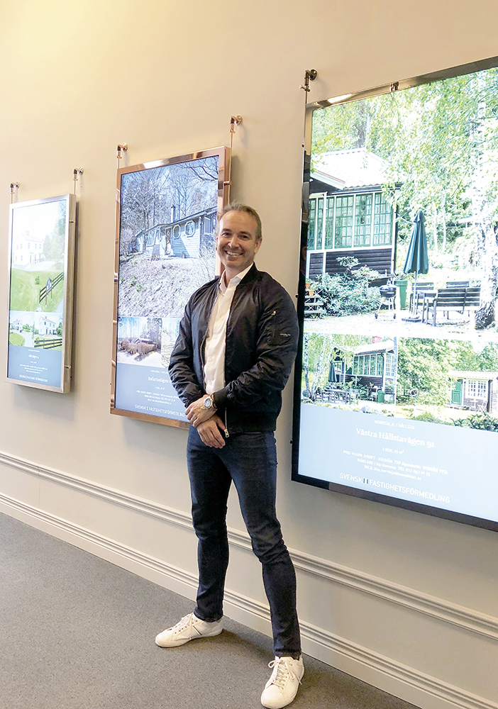 Stefan Löfgren arbetar på DS Display som tillverkar sina egna led-skärmar.