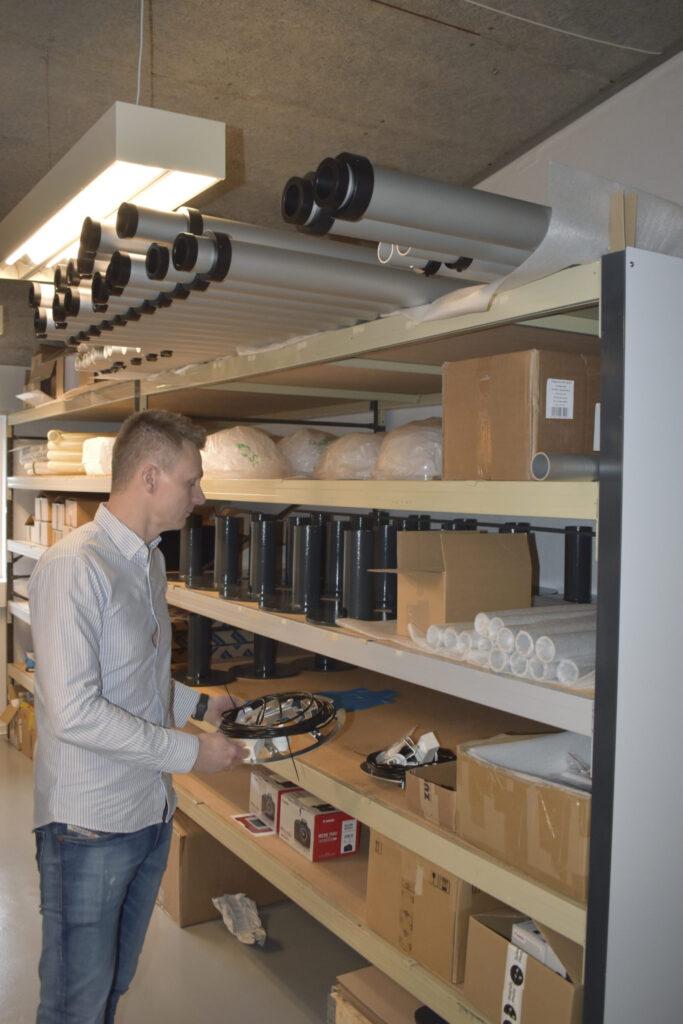 Alla reservdelar finns i lager hos Zünd Skandinavien. Zünds filosofi är att de schweiziska värdena ska vara inbyggda: Lång livslängd och hög precision.