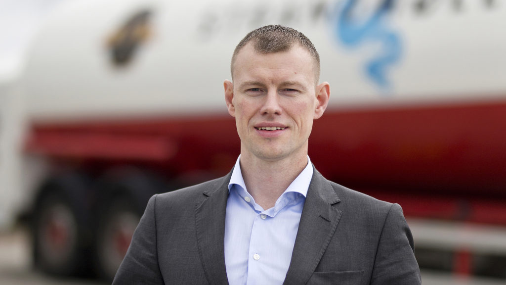 Henrik Esbjörnson har tillträtt som ny vd på MultiQ.