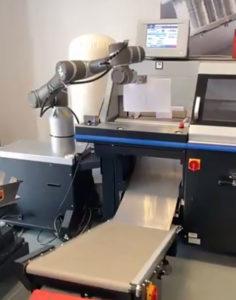 Med den nya robotarmen TM5-900 kan efterbehandlingen automatiseras ytterligare.