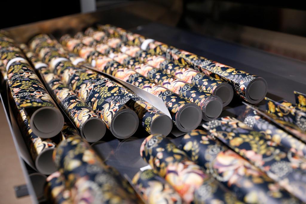 UV-gel Wallpaper Factory leverera skräddarsydda tapeter med hög kvalitet och kapacitet.